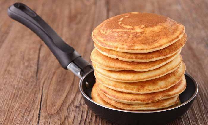 margouillat111200098.jpg - frying pan with pancakes